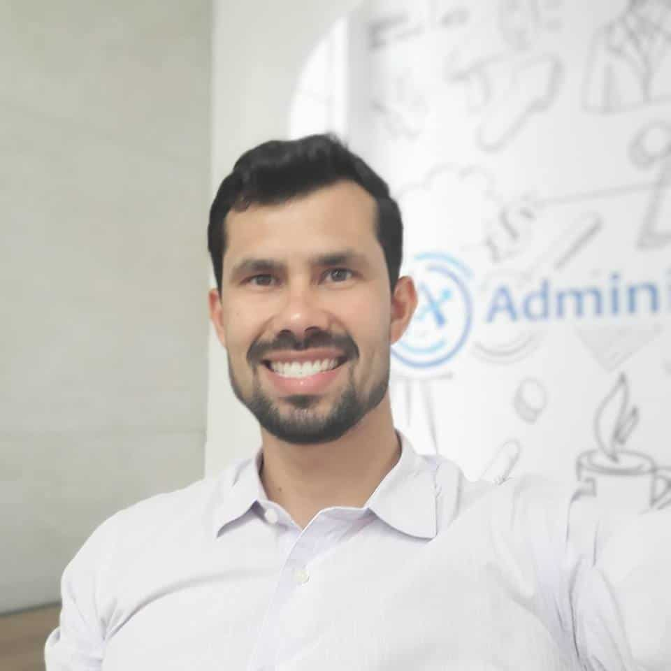 Diretor da Administrar Online, José Marques sorrindo